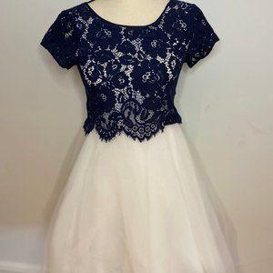 👗NWT💕Derhy kids blue+white dress/gown size12/14